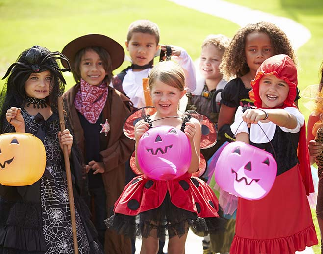children-trick-or-treating